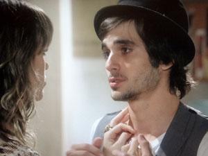 Agenor e Brigitte (Foto: Aquele Beijo/TV Globo)
