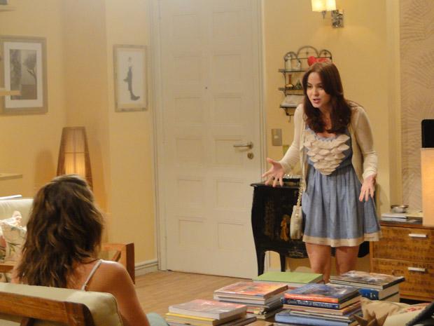 Débora revela que quer ser atriz e Laura fica surpresa (Foto: Malhação / Tv Globo)