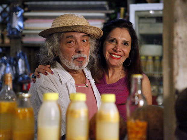 Pedro Paulo Rangel e Vera Mancini dão vida a Zé e Carmem (Foto: Amor Eterno Amor/TV Globo)