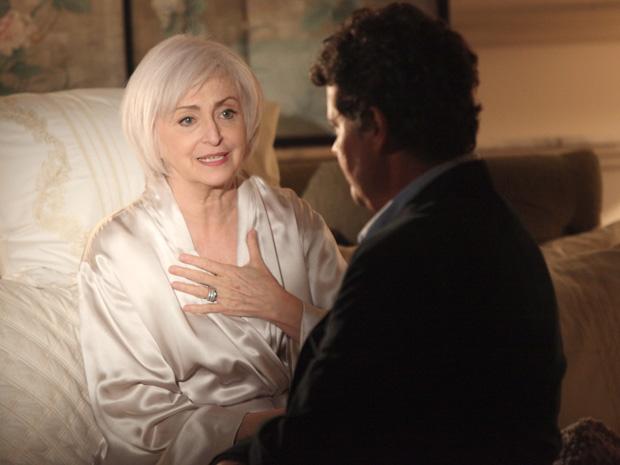 Verbena choca Gabriel ao dizer que está preparada para a morte (Foto: Amor Eterno Amor / TV Globo)