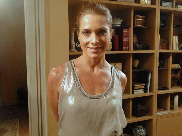 Letícia Spiller mostra maquiagem de sua personagem, Laura  (Foto: Malhação / TV Globo)