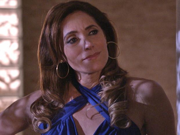 Tereza Cristina quer que Ferdinand mate sua maior inimiga (Foto: Fina Estampa/TV Globo)