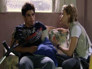 Jefferson não dá ouvidos a Babi, que desiste de tentar convencer o amigo (Foto: Malhação / TV Globo)