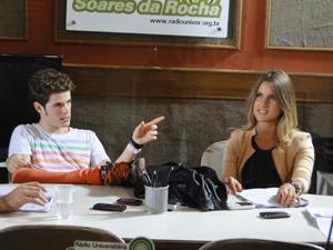 Maurício Destri e Valentina Seabra em ação, como os astros Kiko Freitas e Maria Meira  (Foto: Malhação / TV Globo)