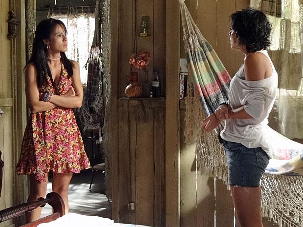 Valéria acredita que Miriam passou a noite com Carlos (Foto: Amor Eterno Amor/TV Globo)