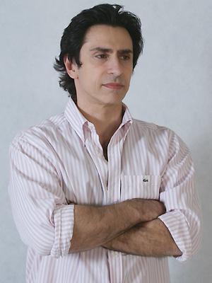 Dr. Alexandre Bez