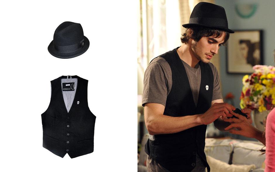 Chapéu preto - que era do próprio Fiuk - e colete com caveirinha são marca do figurino de Agenor.