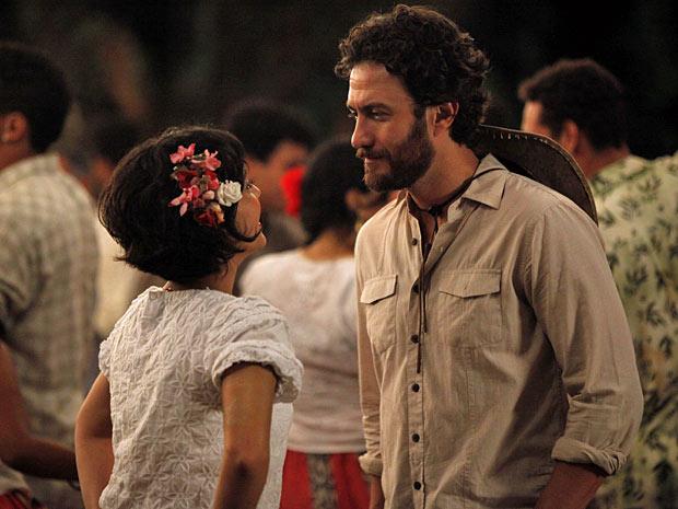 Carlos diz que vai para Belém (Foto: Amor Eterno Amor/TV Globo)