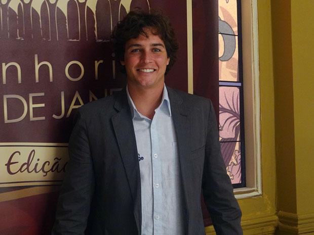 Felipe Dylon faz participação em Aquele Beijo (Foto: Aquele Beijo/TV Globo)