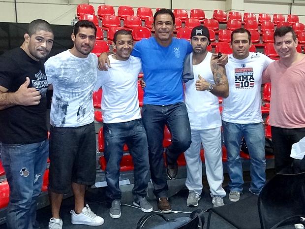 Feras do MMA participam da gravação da novela (Foto: Fina Estampa / TV Globo)