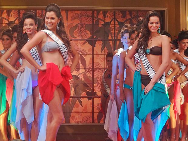 Graciosa e Belezinha arrasaram no desfile de biquíni (Foto: Aquele Beijo/TV Globo)
