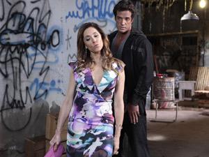 A megera promete 'rapidinha'com Ferdinand se ele matar Griselda (Foto: Fina Estampa / TV Globo)
