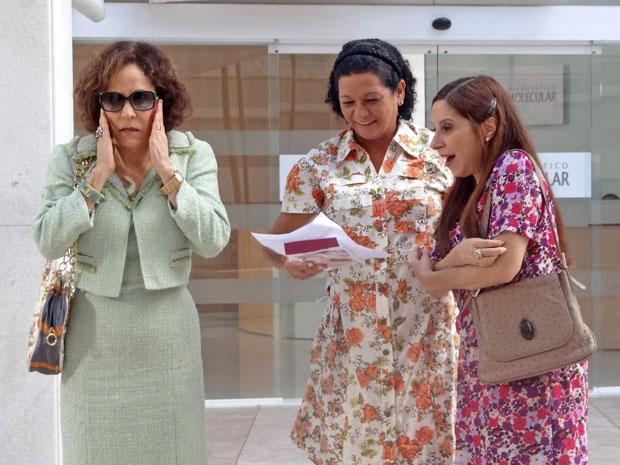 Damiana descobre que Agenor não é filho de Felizardo (Foto: Aquele Beijo/TV Globo)