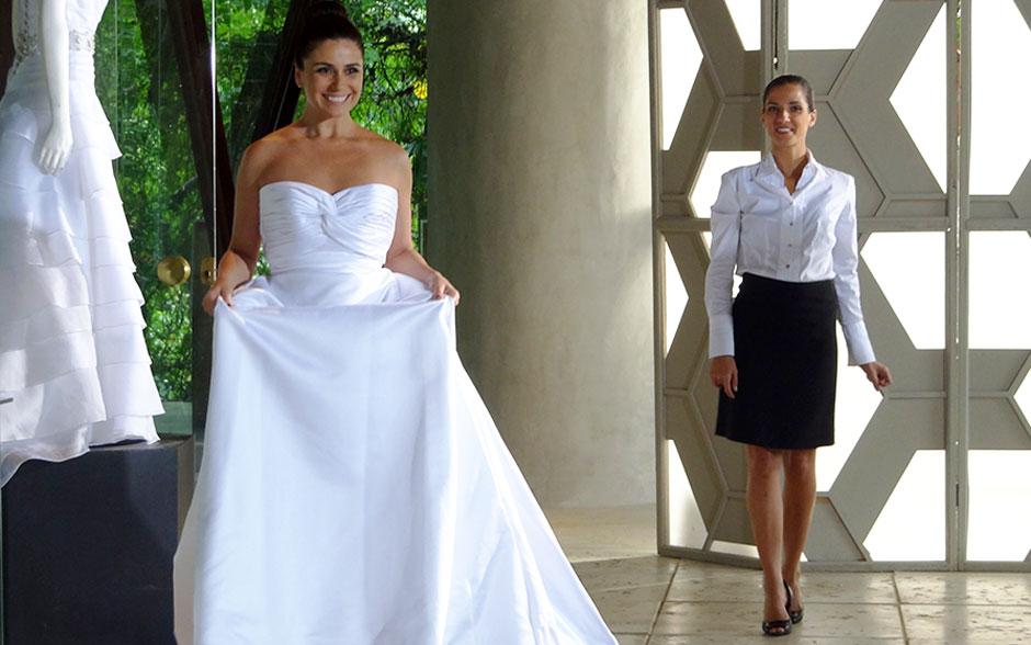 Vestido tomara que caia, simples e elegante