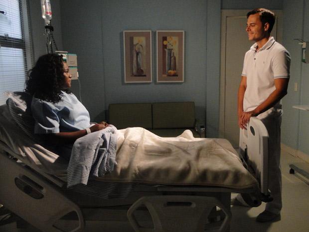 Ricardo diz que vai registrar o bebê (Foto: Aquele Beijo / TV Globo)