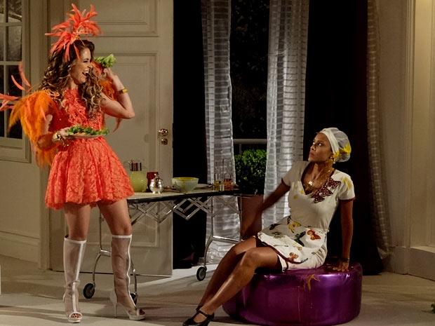 Penha é humilhada pela rainha do forró (Foto: Cheias de Charme / TV Globo)