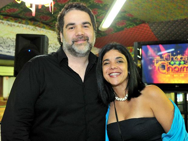 Os autores Filipe Miguez e Izabel de Oliveira (Foto: Cheias de Charme / TV Globo)