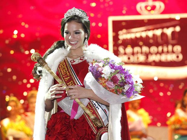 Belezinha é coroada Senhorita Rio de Janeiro (Foto: Aquele Beijo/TV Globo)