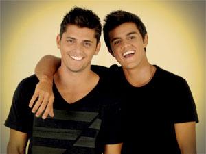 Bruno Gissoni se inspirou no irmão Felipe (Foto: Avenida Brasil / TV Globo)