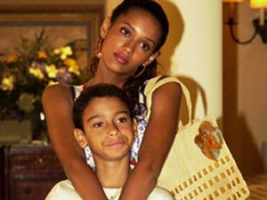 Sérgio com Taís Araújo, em Da cor do pecado (Foto: Cheias de Charme / TV Globo)