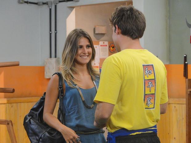 Cheia de charme, Maria convida Betão para a festa de Bertoni (Foto: Malhação / Tv Globo)