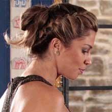 Penteados, acessórios, roupas. Confira o que virou moda fora da telinha (Aquele Beijo - TV Globo)