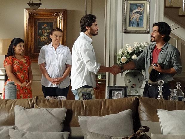 Rodrigo pede para Pedro esquecer toda a confusão do passado (Foto: Amor Eterno Amor/TV Globo)