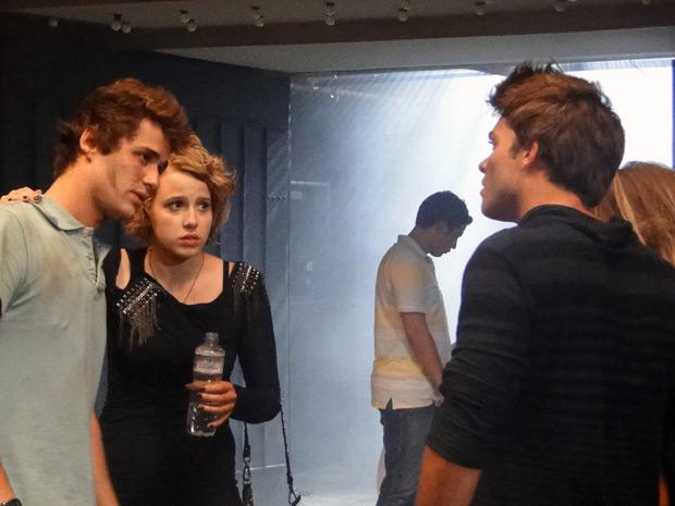 Parece que não será desta vez que os dois voltam a se falar (Foto: Malhação / TV Globo)