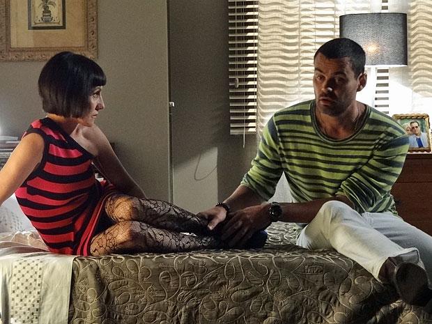 Melissa aproveita para fazer uma chantagem com Fernando (Foto: Amor Eterno Amor/TV Globo)
