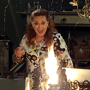 Olga enlouquece e taca fogo no Lar (Aquele Beijo / TV Globo)