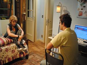 Guido fica nervoso e manda real para Babi (Foto: Malhação / Tv Globo)