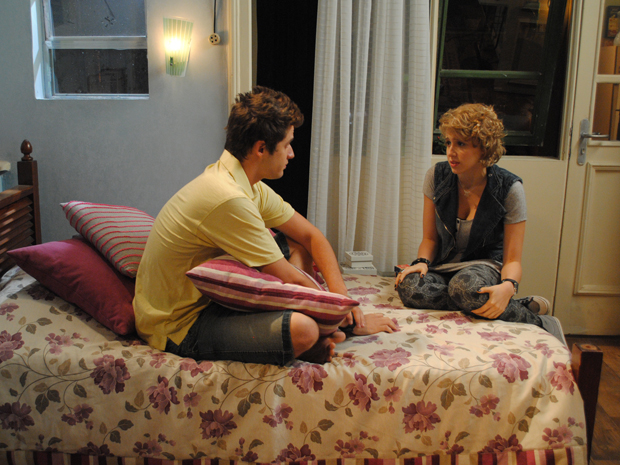 Babi quer saber o que Betão disse a Guido (Foto: Malhação / Tv Globo)