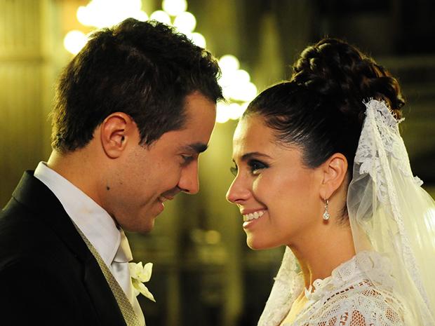Claudia e Vicente se casam