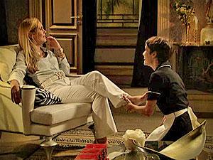 Ela ainda diz que parece que conhece Nina há anos...e conhece mesmo! (Foto: Avenida Brasil/ TV Globo)