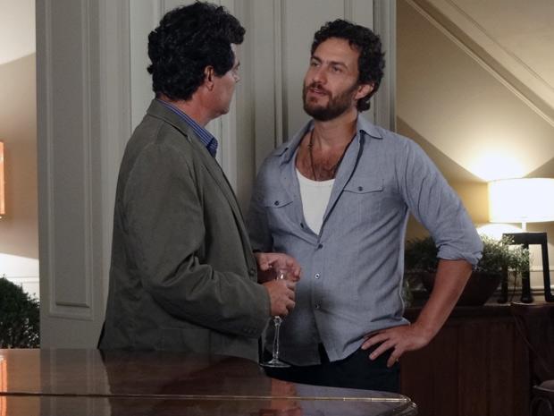 Gabriel comenta que tocar piano fazia bem a Verbena (Foto: Amor Eterno Amor / TV Globo)