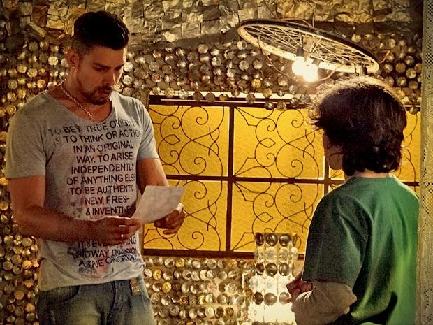 Picolé confirma as suspeitas de Jorginho (Foto: Avenida Brasil/ TV Globo)