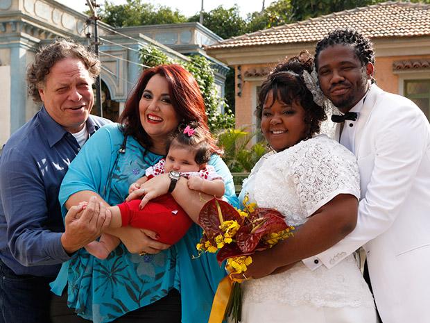 Taluda se casa com Herondí e abre produtora de filmes adultos (Foto: Aquele Beijo/TV Globo)