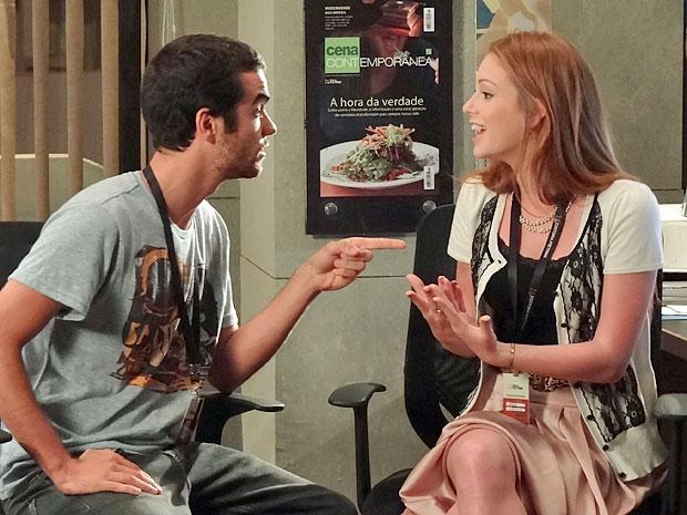 """Beto e Juliana tem uma ideia para o nome da coluna: """"Se Liga"""" (Foto: Amor Eterno Amor/TV Globo)"""