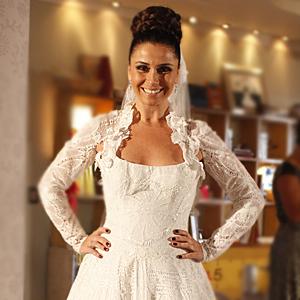 Detalhes do vestido de noiva de Claudia (Aquele Beijo / TV Globo)