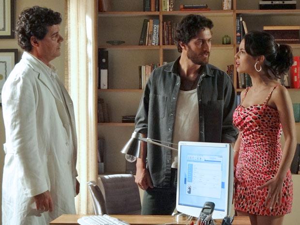 Valéria afirma que está grávida (Foto: Amor Eterno Amor / TV Globo)