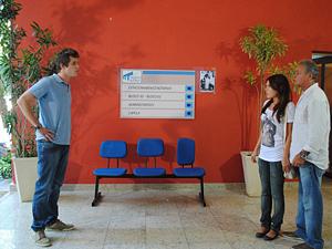 Guido flagra a irmã no hospital (Foto: Malhação / TV Globo)