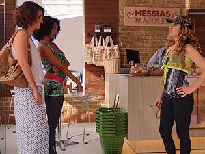 Lygia, Penha e Chayene... que encontro! (Foto: Cheias de Charme / TV Globo)