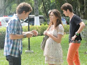 """Cristal encontra Gabriel e dá uma dura nele: """"Tem que casar!"""" (Foto: Malhação / Tv Globo)"""