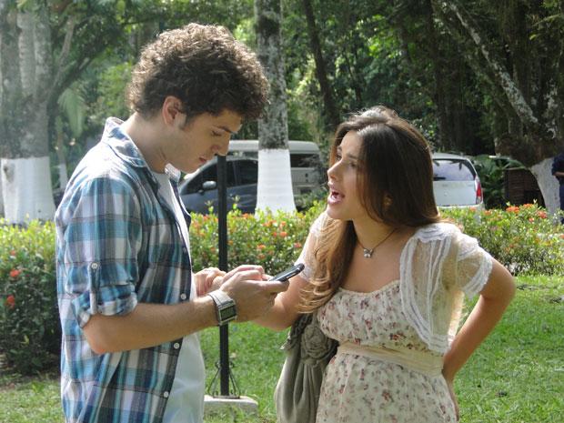 Sem paciência, Gabriel dá um fora em Cristal (Foto: Malhação / Tv Globo)
