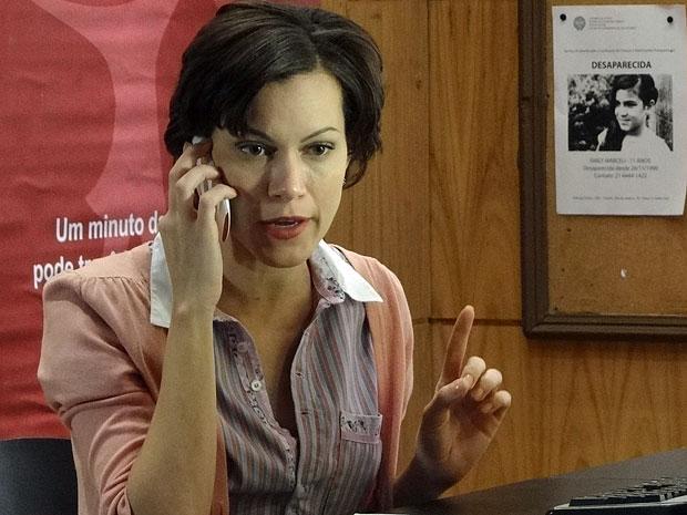 Marlene manda Laís obedecer Dona Olga (Foto: Amor Eterno Amor/TV Globo)
