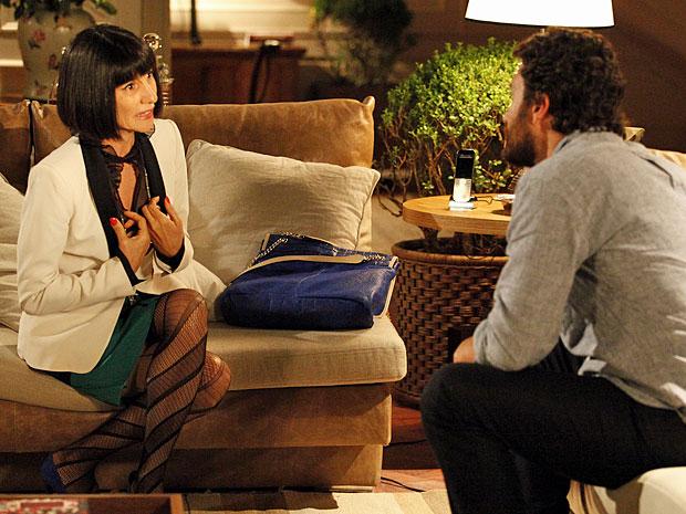 Melissa quer manter Valéria por perto (Foto: Amor Eterno Amor/TV Globo)