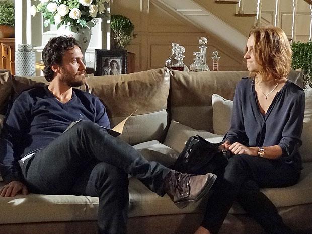 Rodrigo fica surpreso com a separação de Miriam e Fernando (Foto: Amor Eterno Amor/TV Globo)