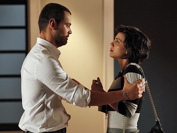 Fernando coloca um ponto final no relacionamento com Miriam (Foto: Amor Eterno Amor/TV Globo)
