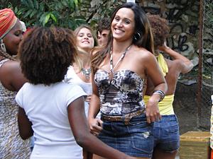 Timtim não se rende às investidas de Kiko (Foto: Malhação / TV Globo)