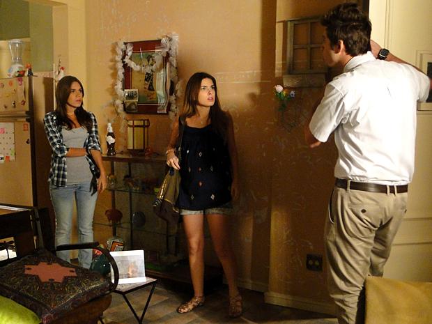 Cristal fica desesperada ao perceber plano de Moisés (Foto: Malhação / TV Globo)
